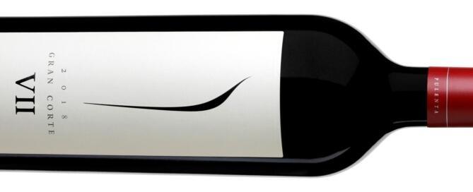 Pulenta Gran Corte 2018, fue elegidocomo uno de los mejores Bordeaux Blend de la Argentinapor elreconocido periodista Tim Atkin